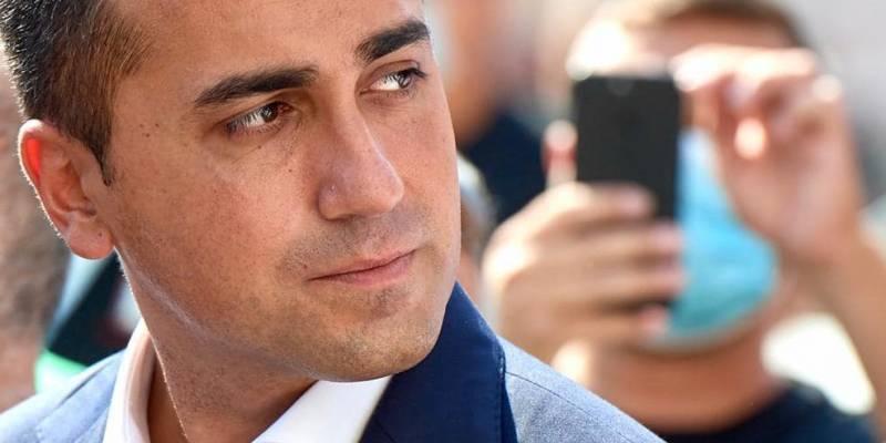 maradona di maio, Maradona, Di Maio:'Era la fiaba di noi bambini, ha riscattato Napoli'