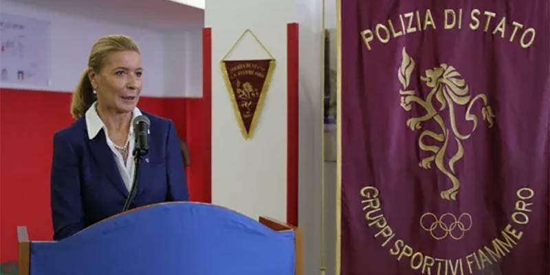 donna diventa vicecapo della Polizia