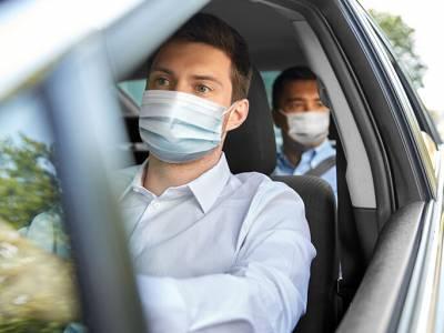 mascherina in auto e moto
