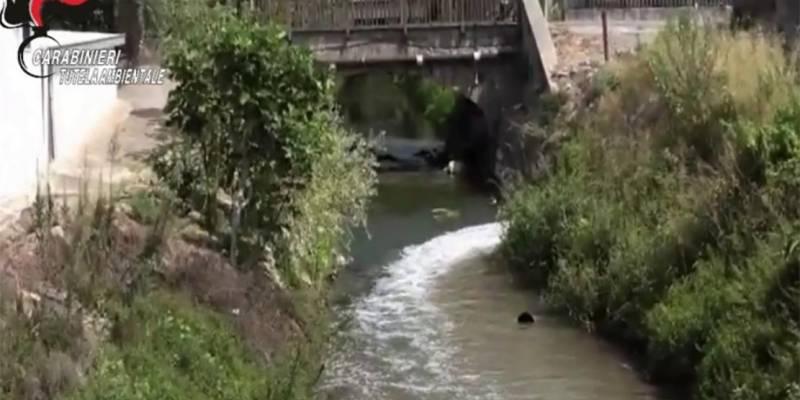 Inquinamento fiume sarno scarichi abusivi, Inquinamento fiume Sarno: individuati 41 scarichi abusivi, 36 aziende sequestrate e 144 denunce,