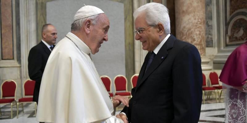 """papa francesco compleanno, Papa Francesco festeggia 84 anni, gli auguri di Mattarella: """"E' fonte di speranza per tutti"""""""