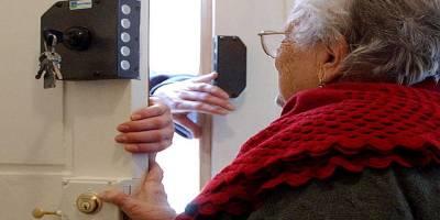 Napoli tenta di truffare un'anziana