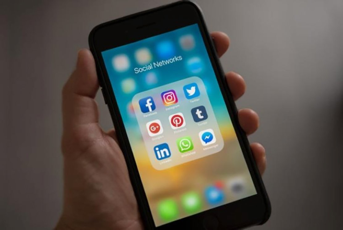 Social Media Italia 2020, Social Media Italia 2020: Dati, Statistiche e Presenza Massiccia di Minori