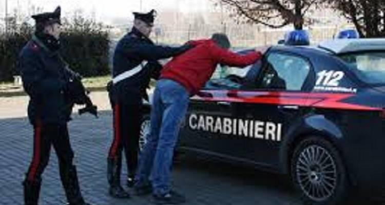 investe maresciallo carabinieri, Investe maresciallo dei carabinieri e scappa. Bloccato dopo fuga di 10 km