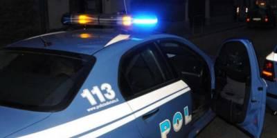 Napoli ruba portafogli da auto, Napoli, ruba il portafogli da un'auto in sosta: arrestato