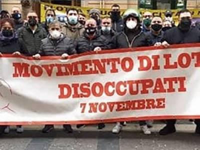 disoccupati napoli, Napoli, protesta dei disoccupati: blocco stradale sul lungomare