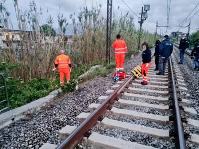 migrante investito e ucciso da un treno a sarno