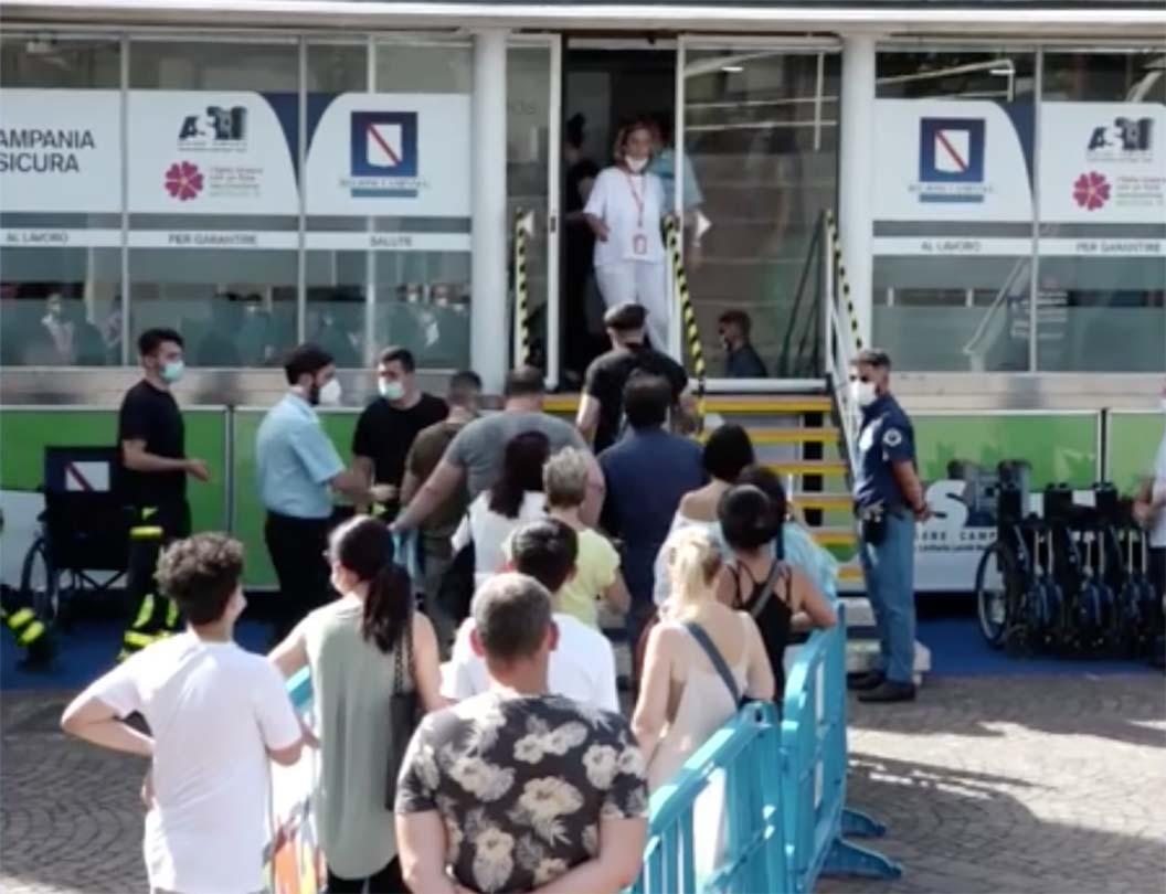 Napoli vaccini senza prenotazioni