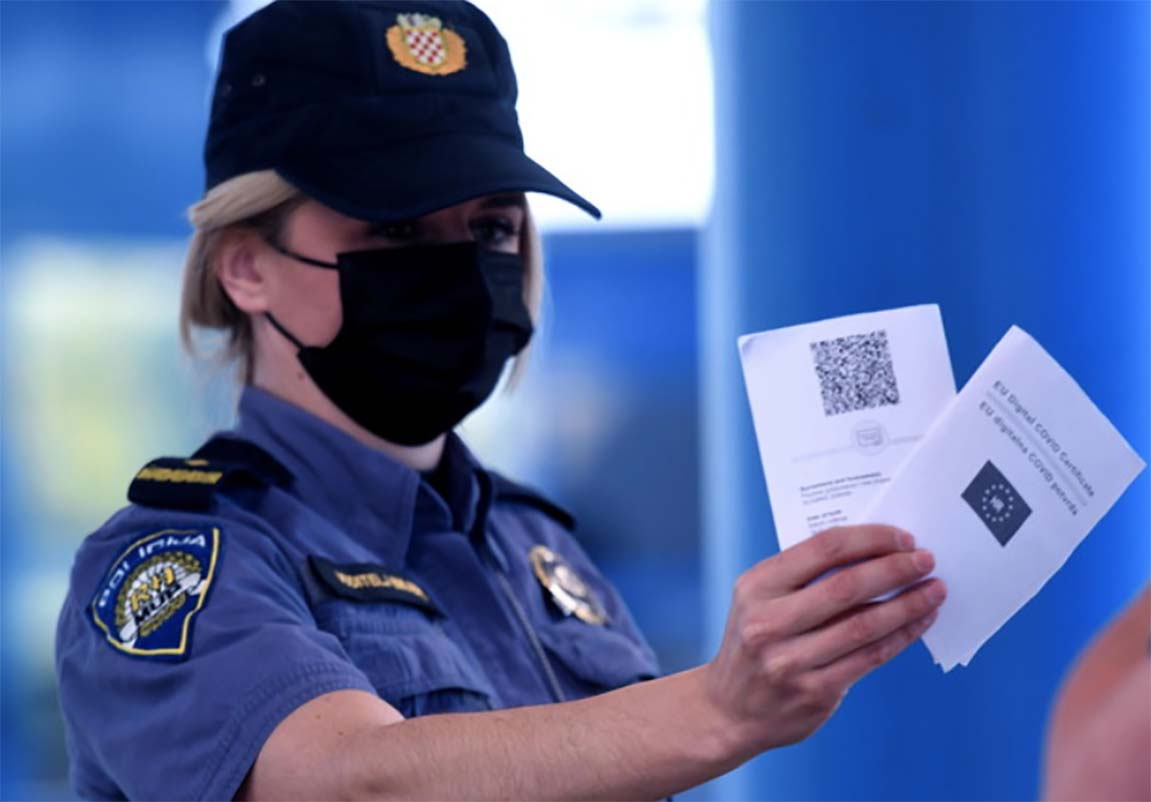 controlli polizia passaportogreen