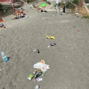rifiuti spiaggia delle monache