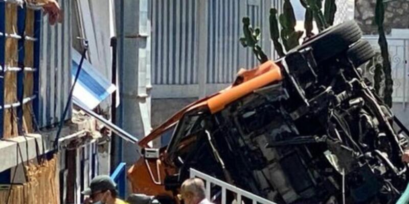 Bus precipitato a Capri, morto l'autista