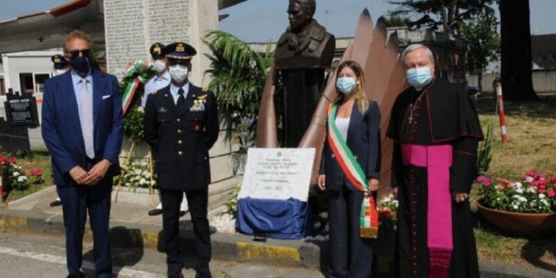 Napoli, celebrati i 100 anni dell'intitolazione dell'Aeroporto di  Capodichino all'eroe napoletano Ugo Niutta
